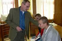 Osmnáctiletý Pavel Hrajnoha loni v prosinci po roztržce ubodal čtyřicetiletou ženu