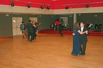 V Otrokovicích začali s výukou společenského tance