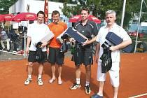 8. ročník Tenisového turnaje osobností v Otrokovicích, na snímku Petr Čajánek, Jiří Marušák, Zdeněk Šeda a Zdeněk Mikel.