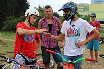 Závody v pumptracku spojené s dirtovou exhibicí se v sobotu 25. července uskutečnily v Otrokovicích za dopravním hřištěm.