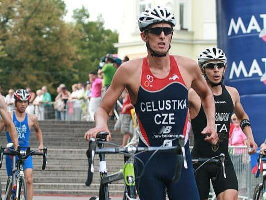 Triatlonista Jan Čelůstka.