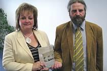 Profesorka zlínského gymnázia na Lesní čtvrti představila novou učebnici moderních dějin.