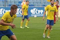 Fotbalisté Zlína B (ve žlutých dresech). Ilustrační foto