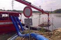 Odstraňování spadlých stromů nebo čerpání lagun a vody ze sklepů. Takovou práci mají v pondělí 14. června za sebou krajští hasiči.