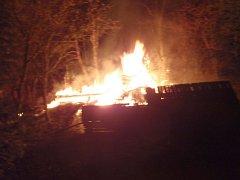 Požár zahradní chatky v Malenovicích