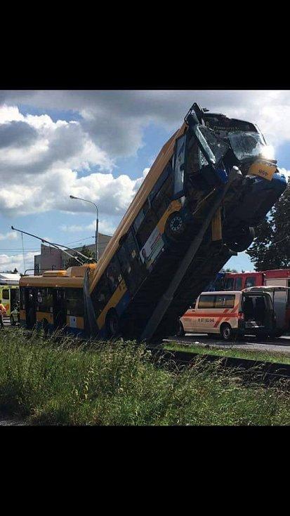 Nehoda trolejbusu v Otrokovicích
