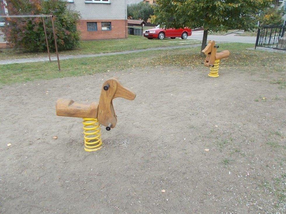 V Tlumačově mají nové dětské hřiště, nachází se ve východní části obce.