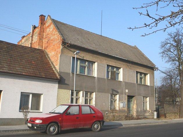 Dům v Napajedlích, kde se odehrála dvojnásobná vražda.