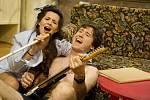 Ve čtvrtek 28. 11. večer má ve Studiu Z premiéru křehká romantická komedie Motýli jsou volní režiséra Jozefa Krasuly.