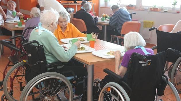 Život seniorů v charitním zařízení Naděje na Jižních svazích ve Zlíně.