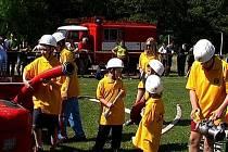 Žlutavští hasiči spolu s okolními sbory pravidelně nacvičují a zdokonalují případný zásah