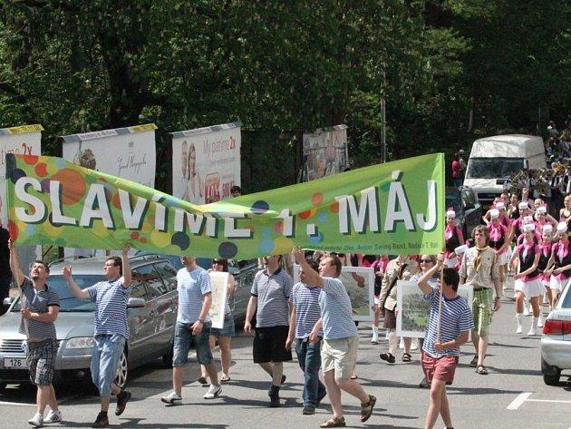 Tradiční oslavy začátku máje s průvodem ve Zlíně