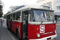 O svátcích vyrazí do ulic Zlína a Otrokovic historické vozy MHD. Na snímku trolejbus Tr9.