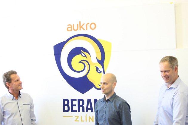 Novým generálním sponzorem zlínského hokeje je Aukro