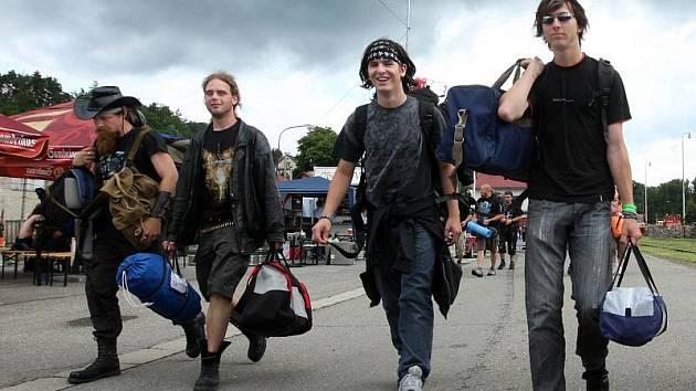 Do Vizovic se sjíždějí návštěvníci festivalu Masters of Rock