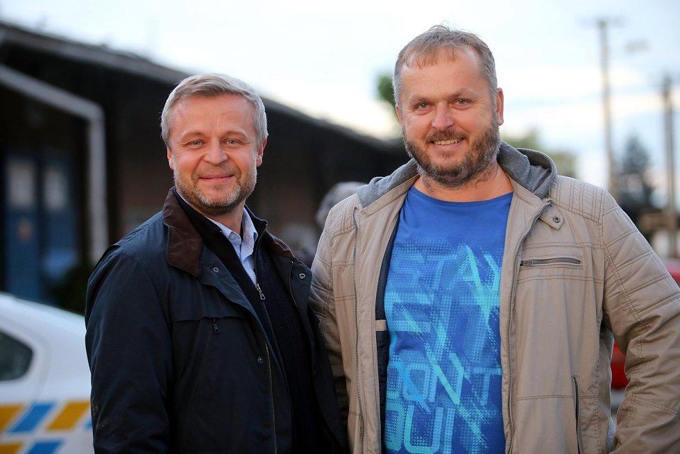 Natáčení filmu Metanol ve Zlíně.Vasil Fridrich a kapitán Roman Málek