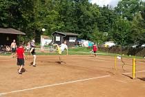 Nohejbalový Sluníčkový turnaj v Kroměříži.