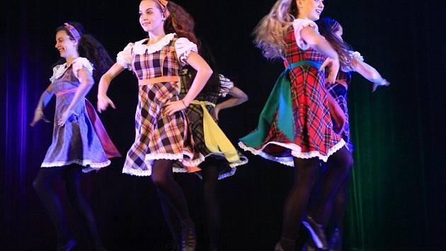 tančí na ledových párech z roku 2014