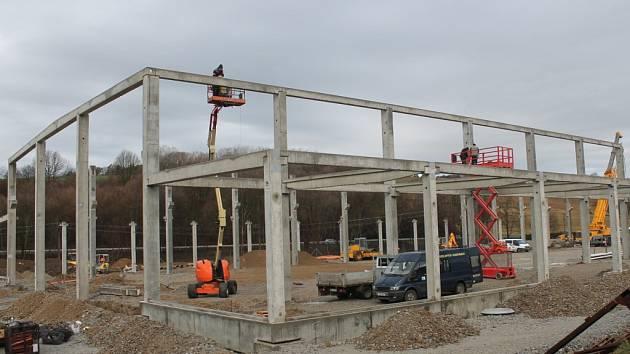 U Kaňovic se staví nová výrobní hala