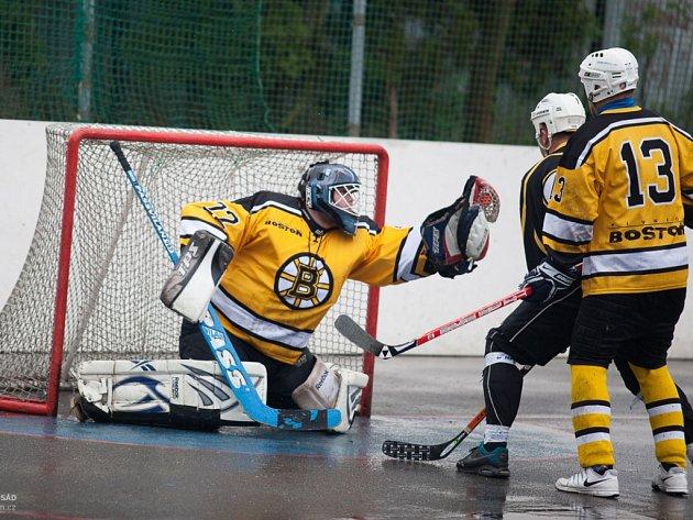 Foto ze semifinálové série Malenovické hokejbalové ligy Rivermen - Boston.
