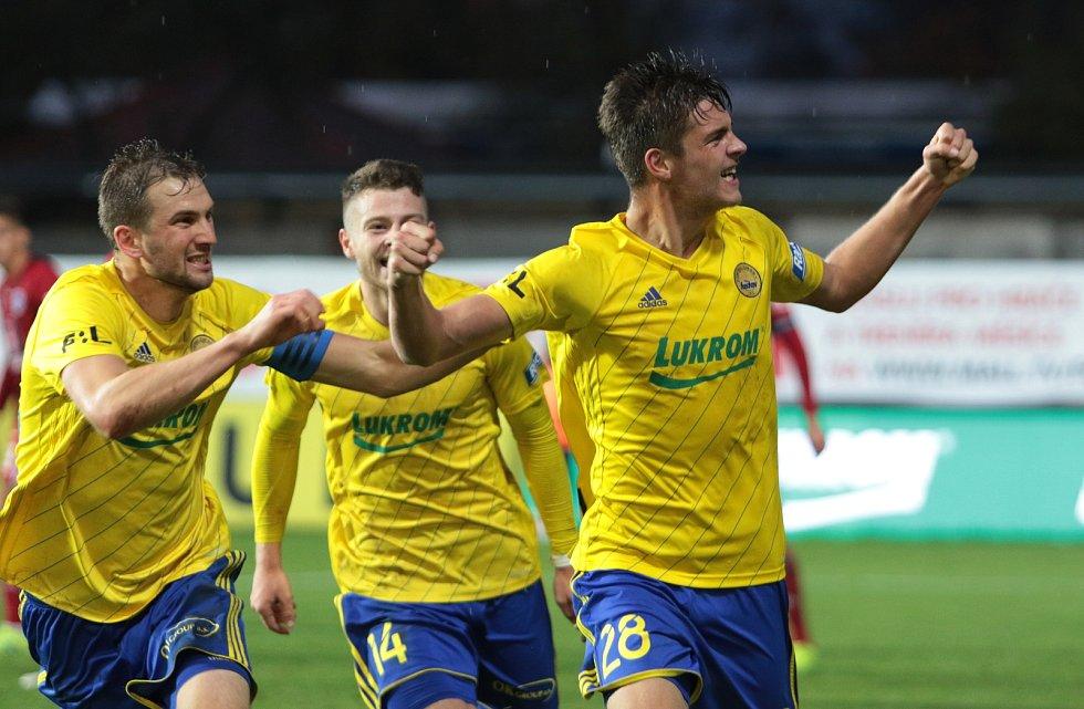 Devatenáctiletý obránce Zlína Jakub Kolář premiérovým ligovým gólem rozhodl 9. listopadu 2019 zápas s Olomoucí.
