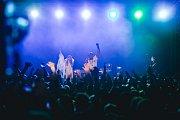 Akce I love 90's v sobotu 3. února 2018 ve zlínské hale Euronics. Na snímku je kapela Twenty 4 Seven