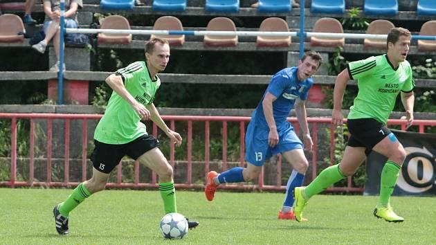 Fotbalisté Koryčan (v zelených dresech) zvítězili na hřišti v Otrokovicích nad tamní rezervou 3:2.