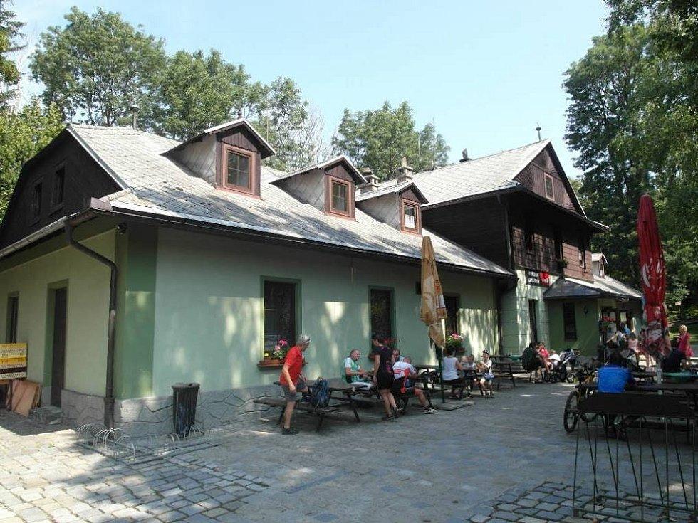 Hotel a restaurace Ovčárna.