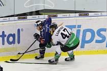 Hokejisté Zlína (v modrých dresech) v pátek večer na Zimním stadionu Luďka Čajky vyzvali Mladou Boleslav.