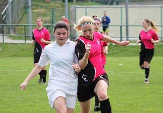 fotbalová divize žen Holešovské holky-Lužkovice