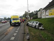 Nehoda pěti vozidel si vyžádala čtyři zranění