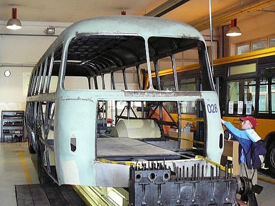 Hromada šrotu: tak by se daly nazvat dva autobusy Škoda 706 RTO, které v minulých letech pořídila DSZO za účelem jejich renovace.