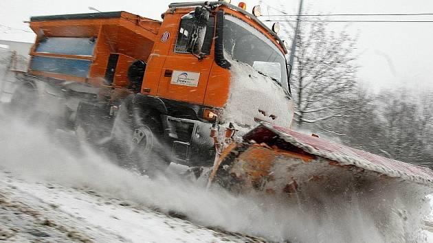 Sníh komplikoval dopravu