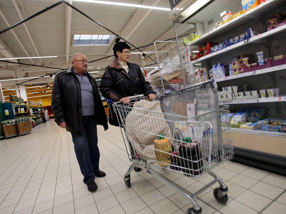 Supermarket TESCO v Malenovicích ve Zlíně.