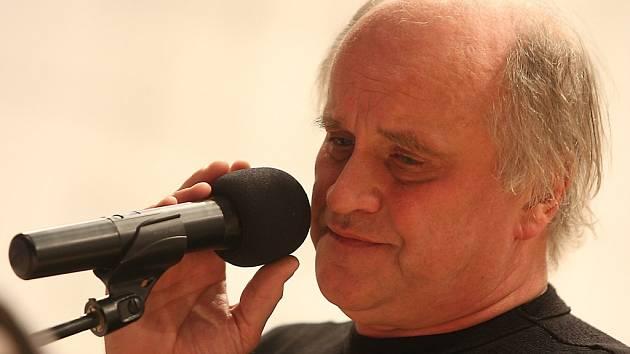 Michael Kocáb, akordeonista Vojtěch Szabó a filharmonie Bohuslava Martinů ve Zlíně