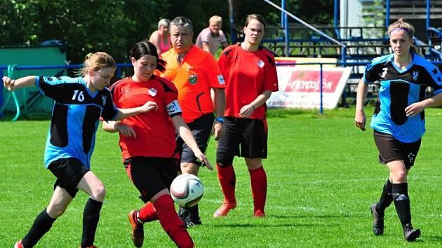 foto ze zápasu ženského fotbalového krajského přeboru žen Lužkovice - Brumov 3:2 po penaltách.