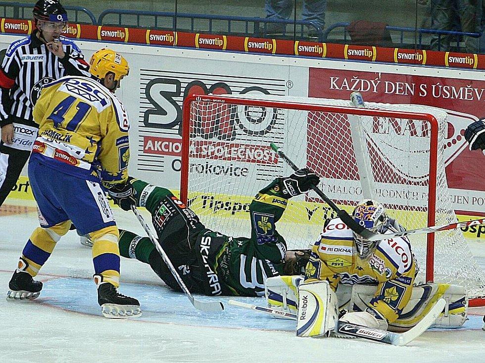 Hokej Zlín (ve žlutém) - Karlovy Vary