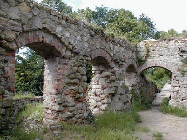 Zbytky hradu Lukov