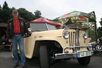 Jaroslav Polák Zlín vlastní Jeep z roku 1948. Tento model je ojedinělým v České republice. A i on nechyběl v sobotu 30. července na srazu amerických aut v Držkové na Zlínsku.