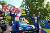 Vítězná posádka 37. ročníku Rallye Český Krumlov s vozem Peugeot 207 S2000 (Roman Kresta vpravo).