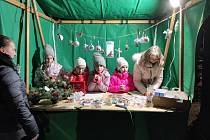 Sazovická náves ožila vánočním jarmarkem