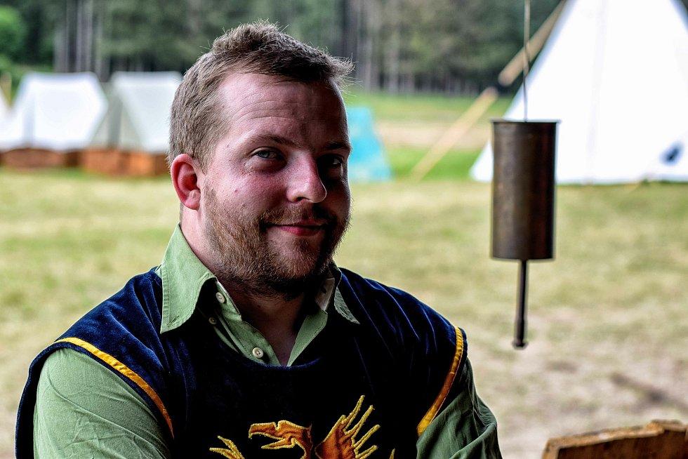 Dlouholetý skaut Ondra Kusl ze Zlína měl těžkou autonehodu. Nyní se podrobuje náročné intenzivní fyzioterapii. Přátele pro něj uspořádali sbírku.