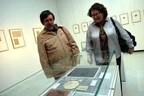 Výstava Slunce jasná světů jiných: kresby a rukopisy Karla Hynka Máchy v krajské galerii ve Zlíně.