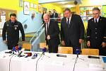Tiskovka s účastí premiéra Bohuslava Sobotky o situaci v souvislosti s přetrvávajícími výbuchy v muničním skladu ve Vrběticích, části Vlachovic