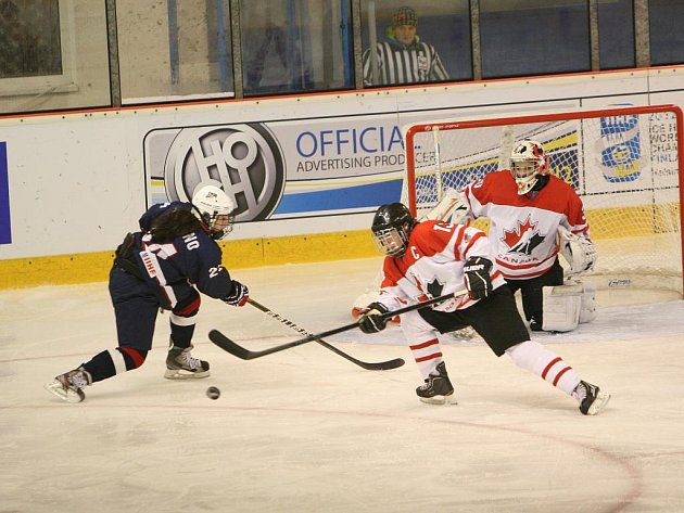 Světový titul slavily ve Zlíně mladé hokejistky Kanady