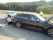 Dvě osobní auta se střetla v sobotu dopoledne v ulici Fryštácká v Kostelci u Zlína.