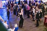 Rodičovský ples 2020 ve Fryštáku. Nechyběla ani polonéza deváťáků