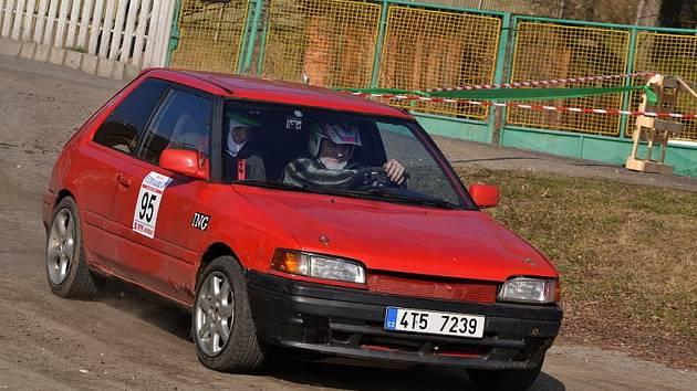 XXXIX. ve stopě Valašské zimy 2014. Vítěz soutěže Drahomír Kubica s vozem mazda 323.