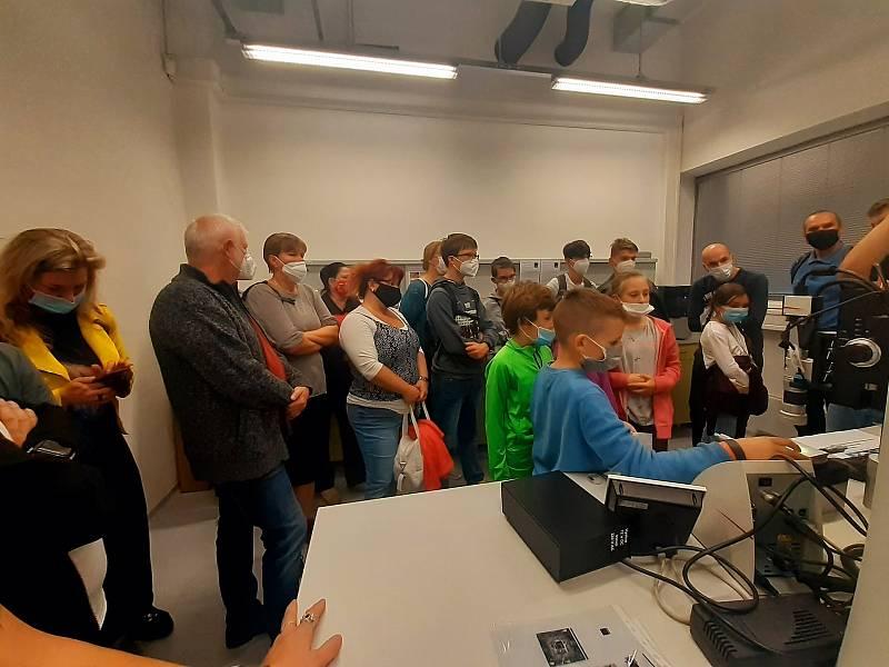 ve Zlíně se uskutečnila populární a velmi oblíbená akce – Noc vědců. Tentokrát provázaná tématem ČAS. Vědecký festival má ve Zlíně pod svou taktovkou tradičně Univerzita Tomáše Bati.