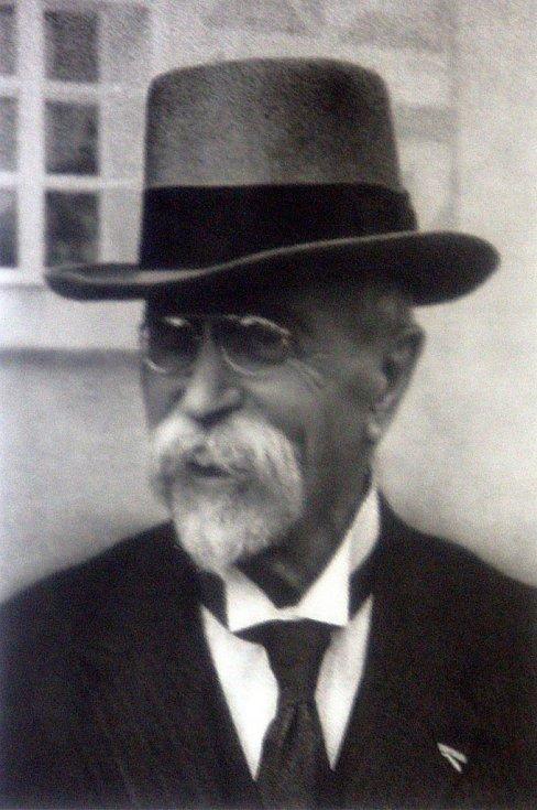 Výstava Masarykův odkaz v domě kultury ve Zlíně.